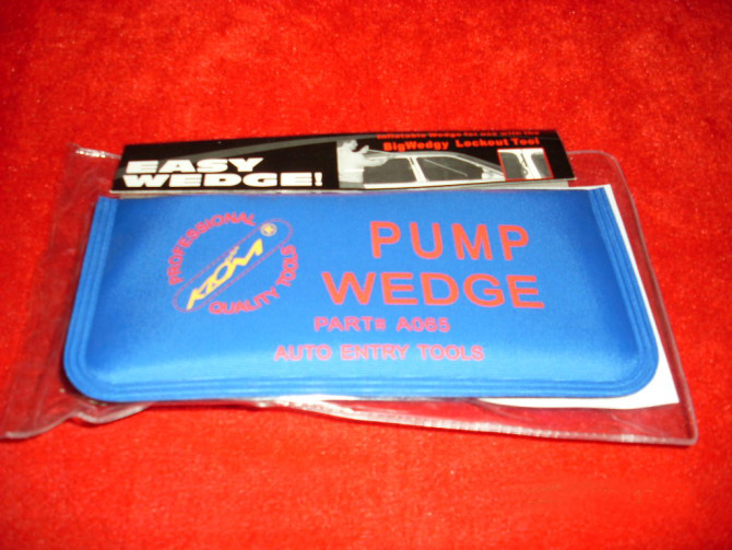 KLOM Pump Wedge Big Blue